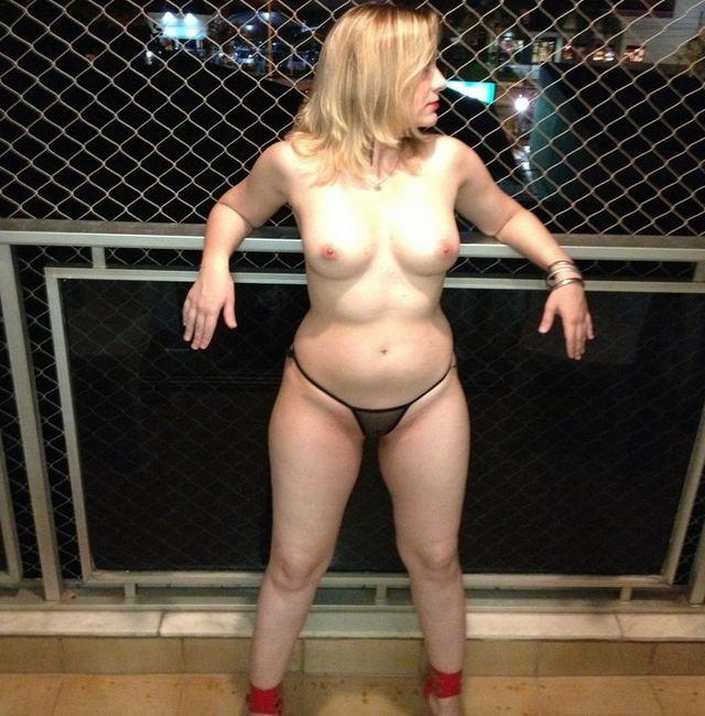 Loira casada procurando por homens solteiros (24)