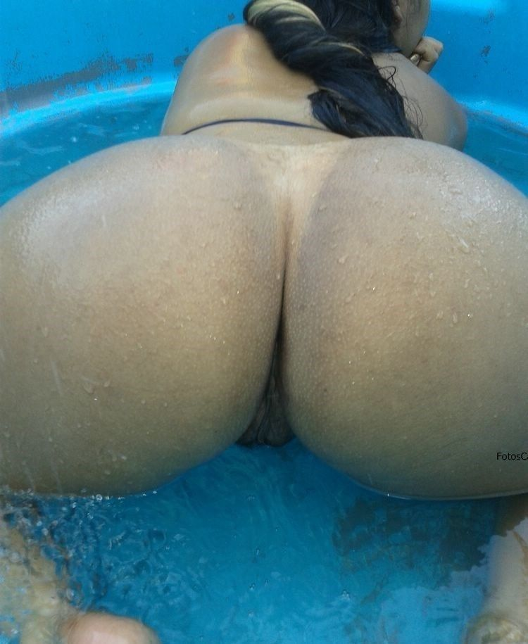 sexo na piscina rabudas