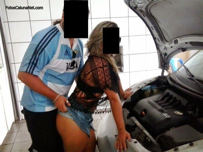 esposa-exibicionista-no-posto-de-combustivel-6