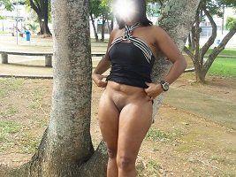 Esposa gostosa se exibindo pelada em publico