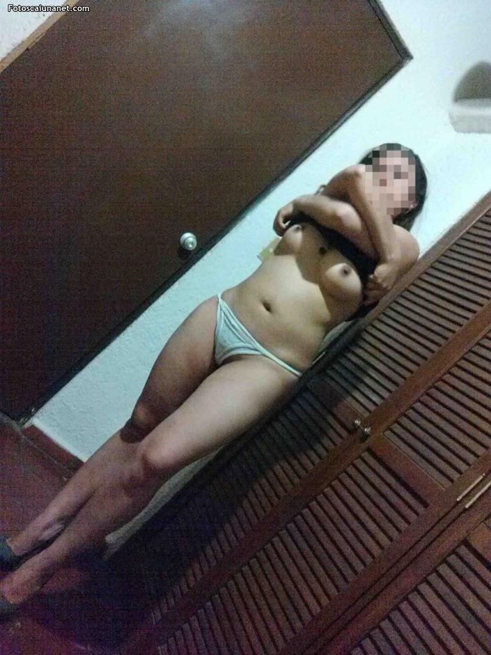 Fotos amadora de mulher casada gostosa pelada no espelho
