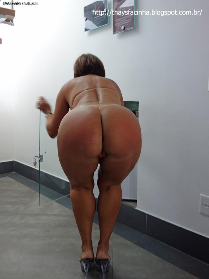 Rabuda gostosa malhando de legging rosa - 3 1