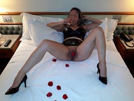 Cristina em fotos amadoras peladas no motel