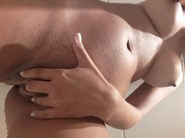 Novinha dos peitos grandes em fotos nude