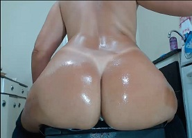 Juju e sua bunda gostosa pelada na webcam