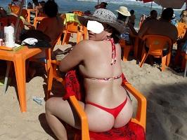 Fotos da minha esposa de biquíni na praia