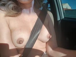 Namorada novinha branquinha em fotos nudes