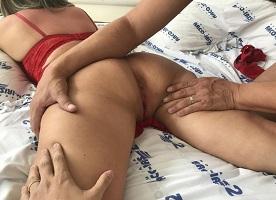 Gostosa casada da bunda grande pelada na cama